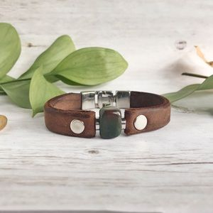 Hand Crafted Leather and Agate Bracelet